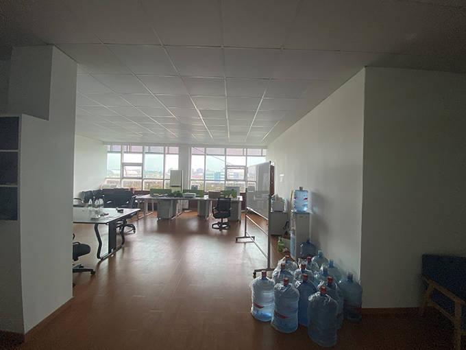岚越公司所在办公地已人去楼空。 澎湃新闻见习记者 巩汉语图