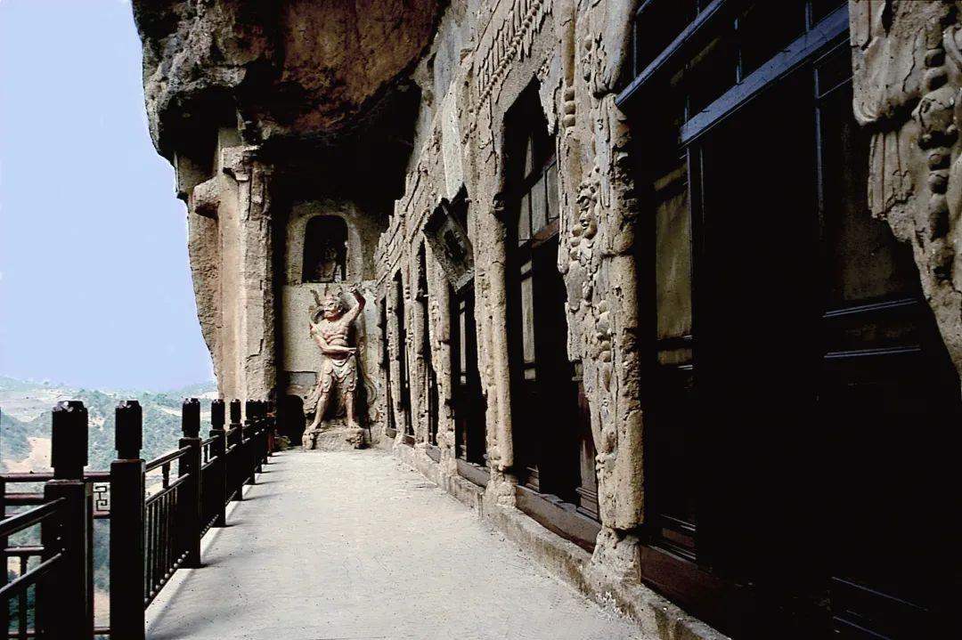 第4窟又名散花楼、上七佛阁,始建于北周,唐宋明清重修