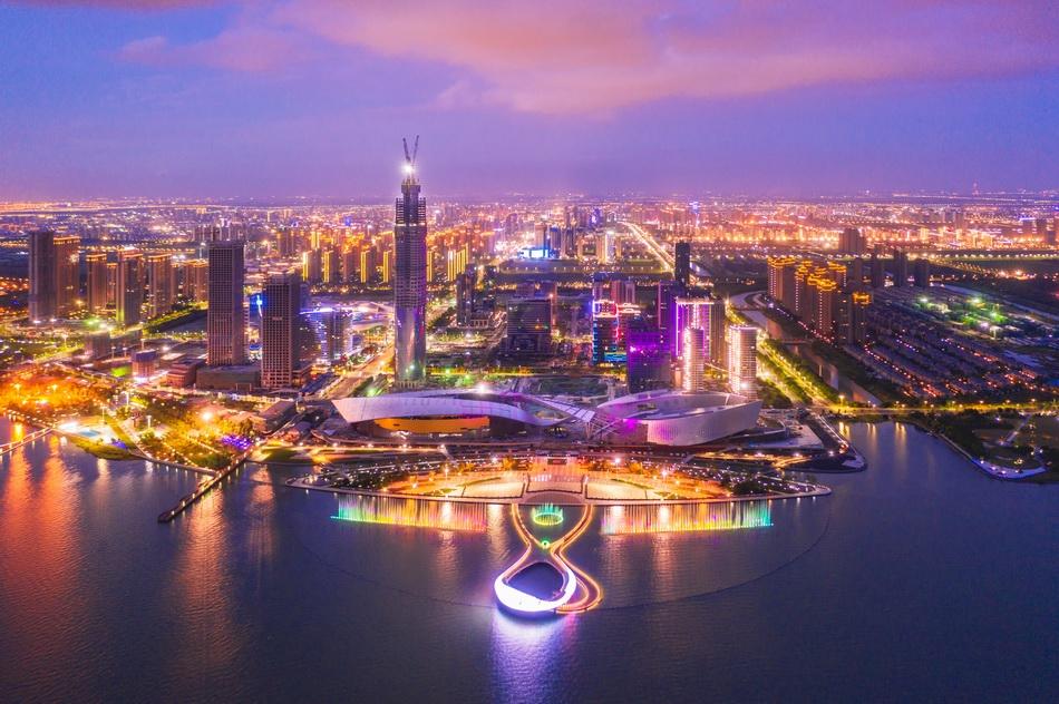苏州湾文化中央夜景。