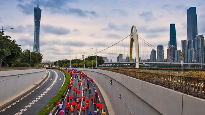 广州马拉松赛将于12月13日举行,计划筹备3万人规模