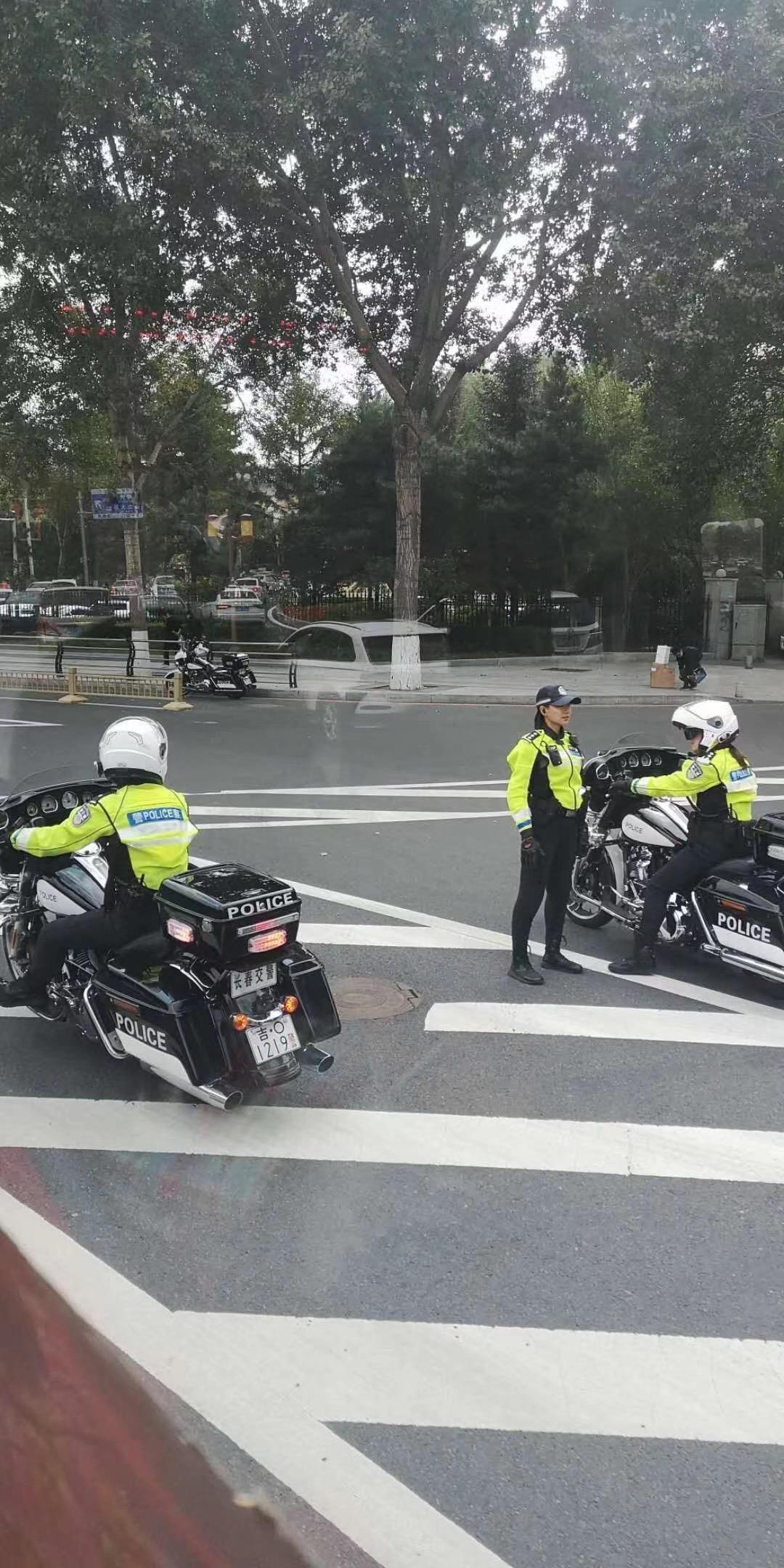 网传长春交警使用哈雷摩托车