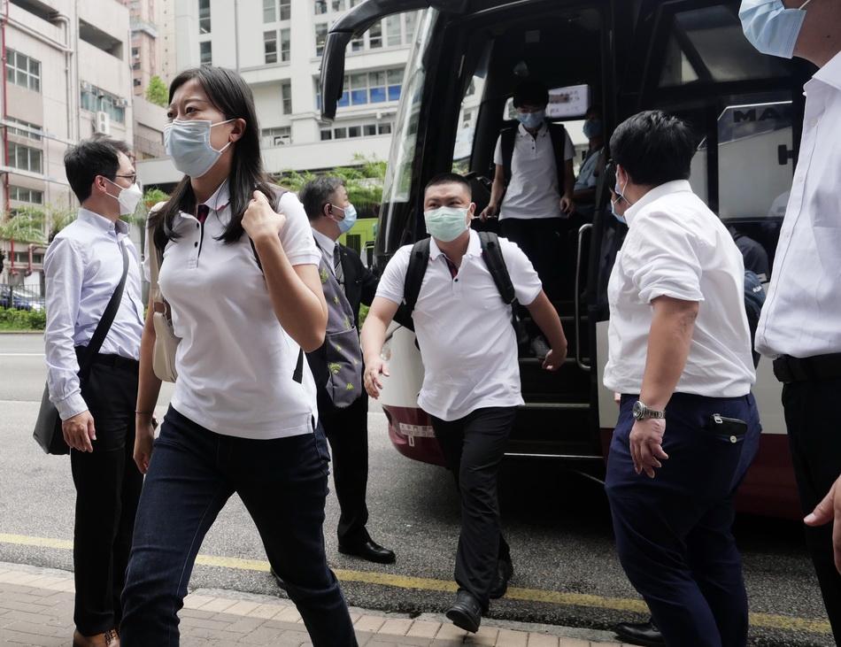 8月28日,内地核酸检测支援队队员陆续抵达香港九龙维景酒店,准备开始工作。