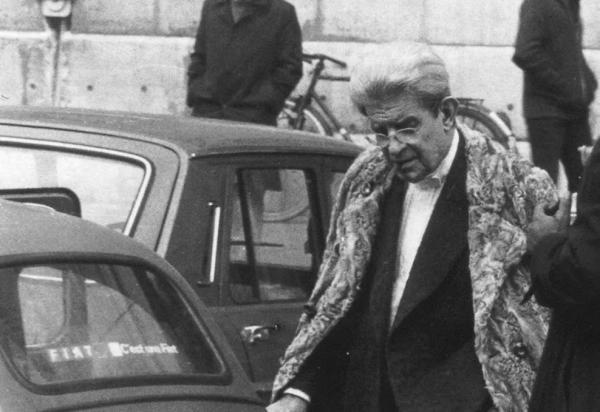 拉康离开他的研讨班,1980年3月。