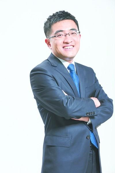 许泽玮,1983年9月生,大学毕业后曾就职于新浪、搜狐等互联网公司,2011年创立91科技集团,现任91科技集团董事长、CEO。担任共青团十八届中央委员、北京市青联委员等职务。视觉中国/光明图片