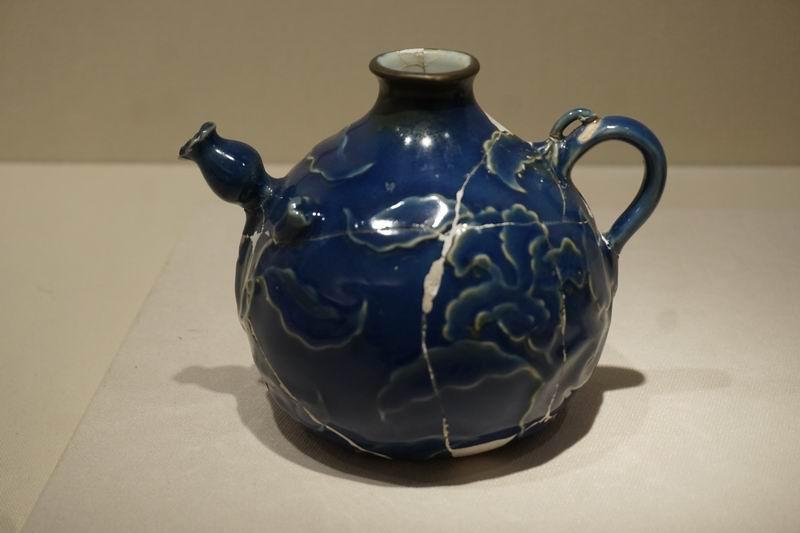 祭蓝釉执壶
