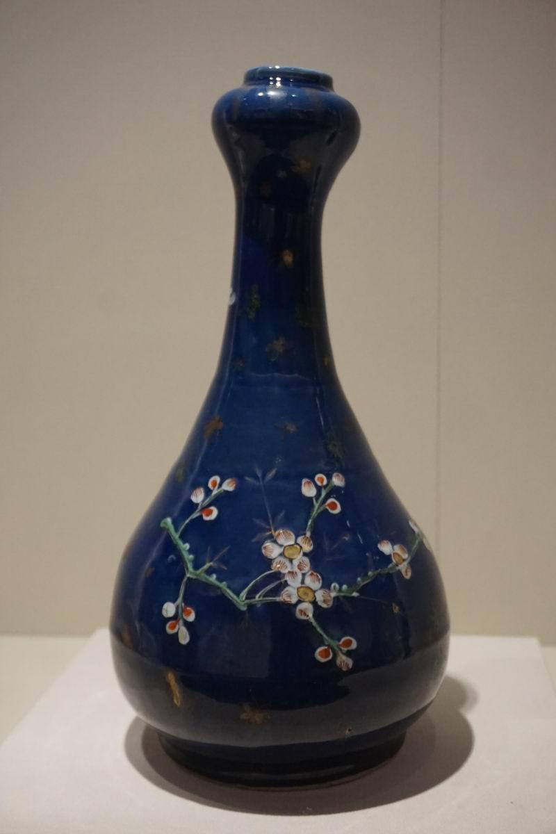 祭蓝釉蒜头瓶