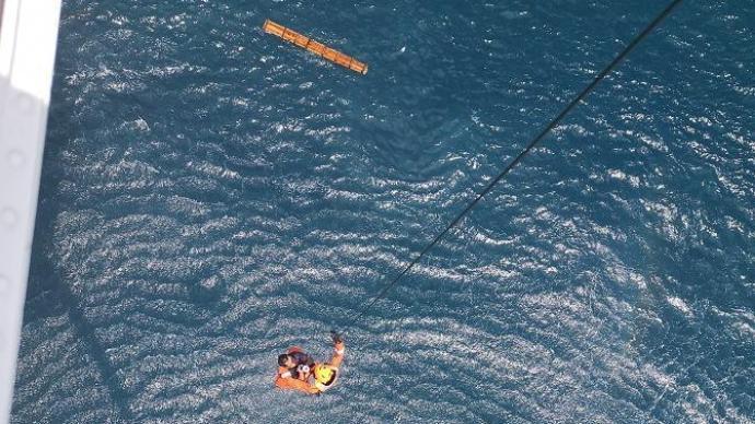 福建一载有5人渔船失联,已救起一名伤者