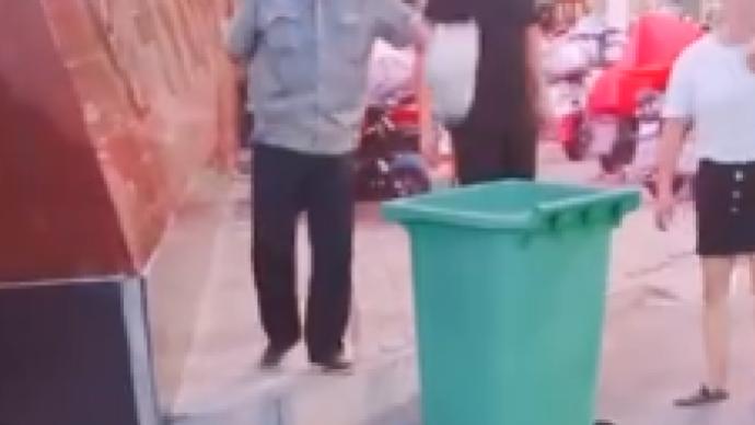 马上评|有再多理由,也不能把学生外卖扔垃圾桶