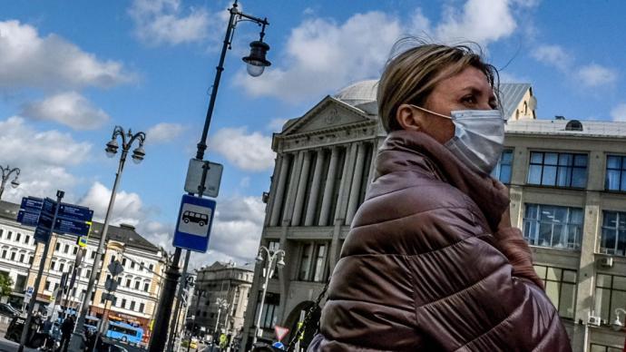 俄羅斯每日確診病例顯著增加,駐俄使館發文提醒