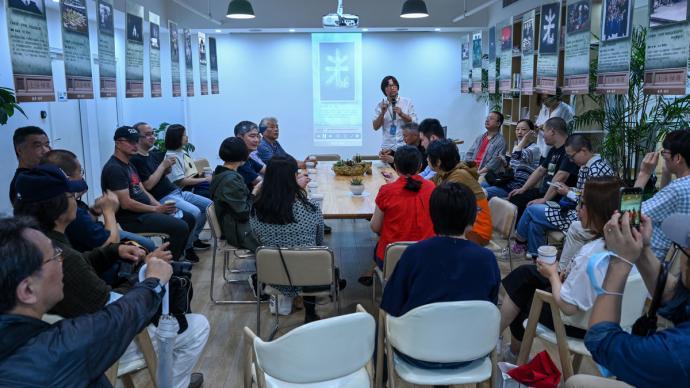 上海相册:作家盲写摄影师作品,双方共塑阅读城市新角度