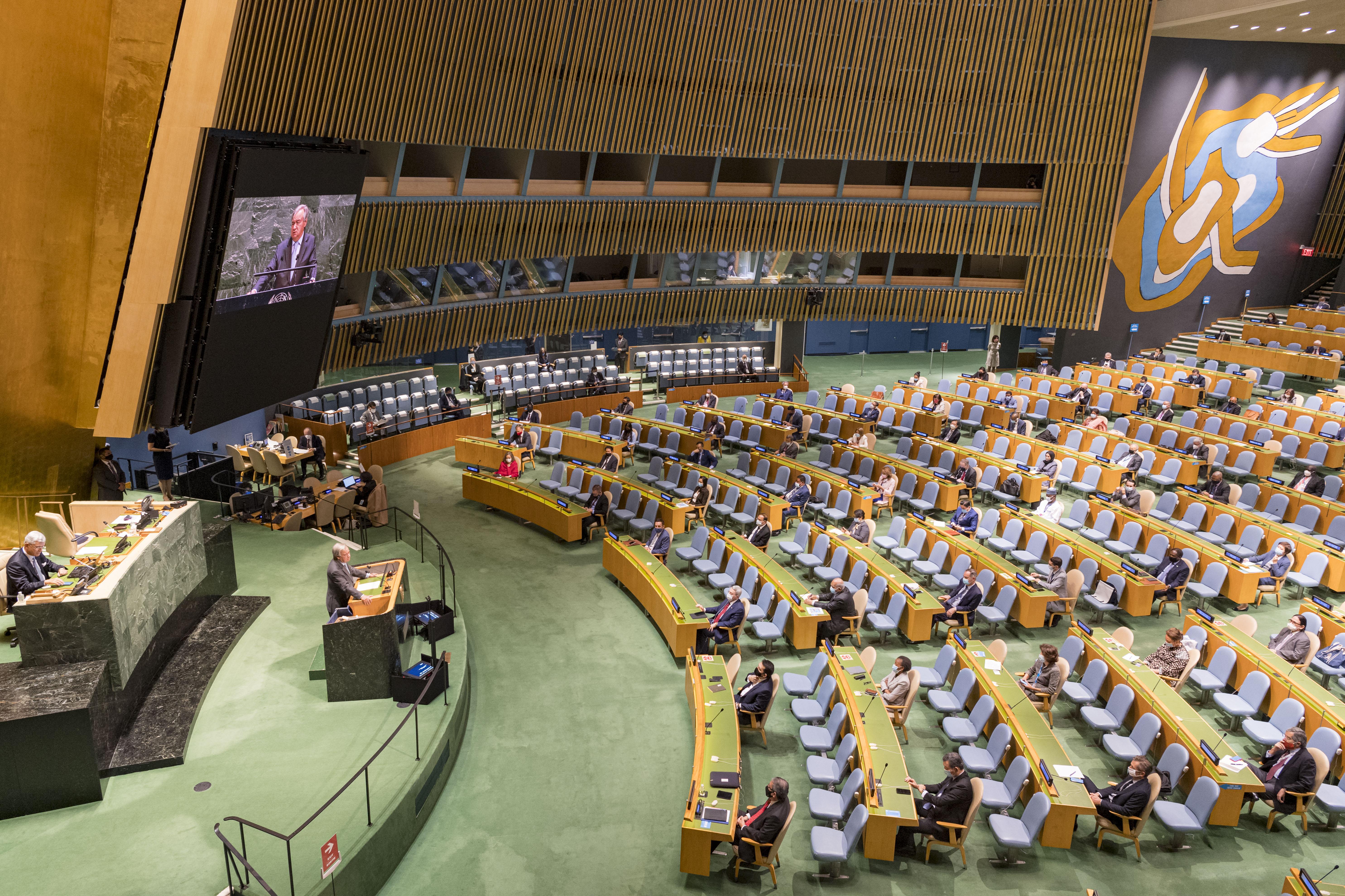 9月22日,在位于纽约的联合国总部,联合国秘书长古特雷斯发表讲话。 新华社 图