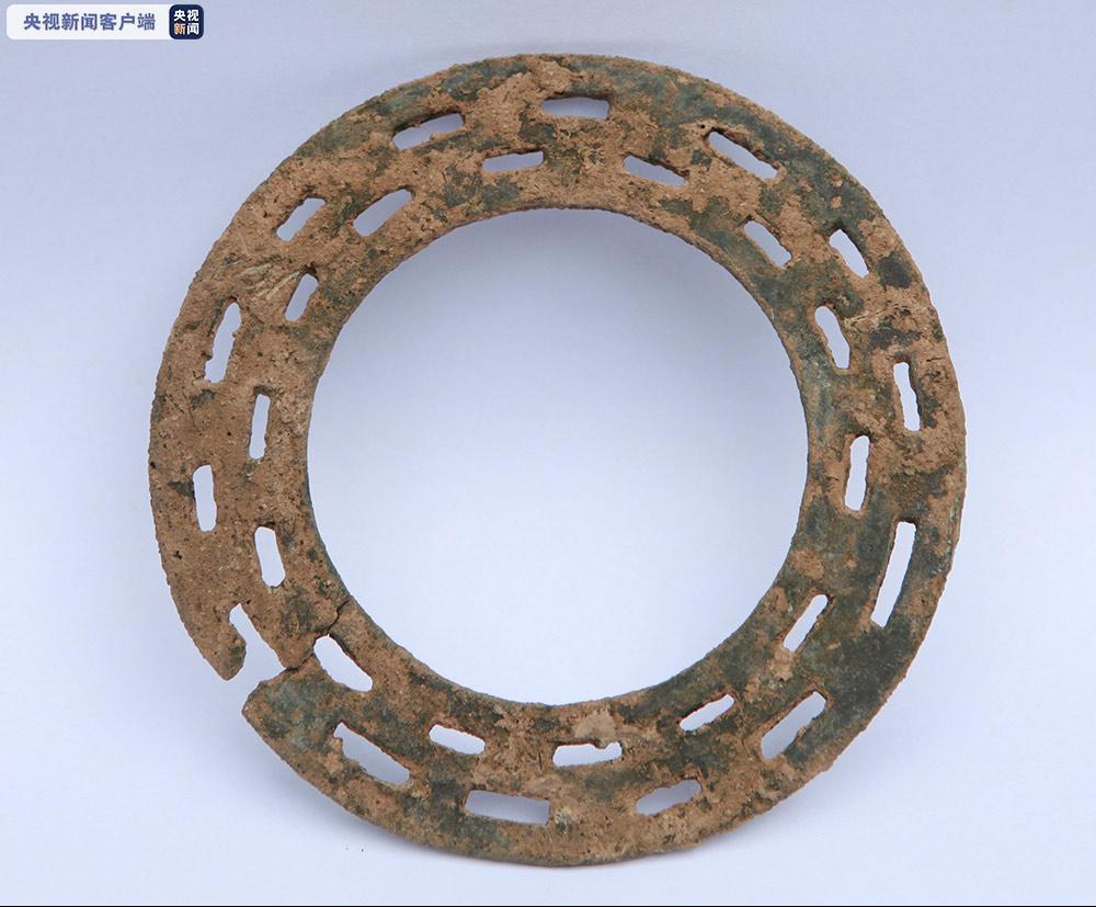 山西襄汾陶寺遗址铜璧形器