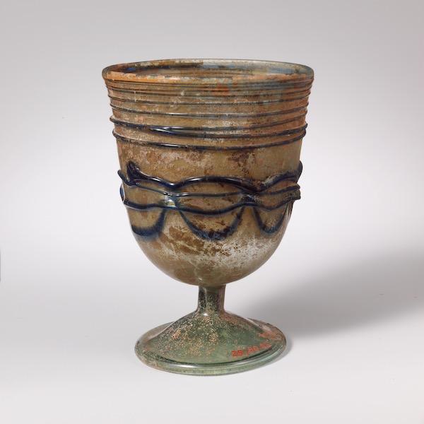 罗马时代晚期或者拜占庭时代早期 玻璃高足杯 纽约大都会博物馆藏