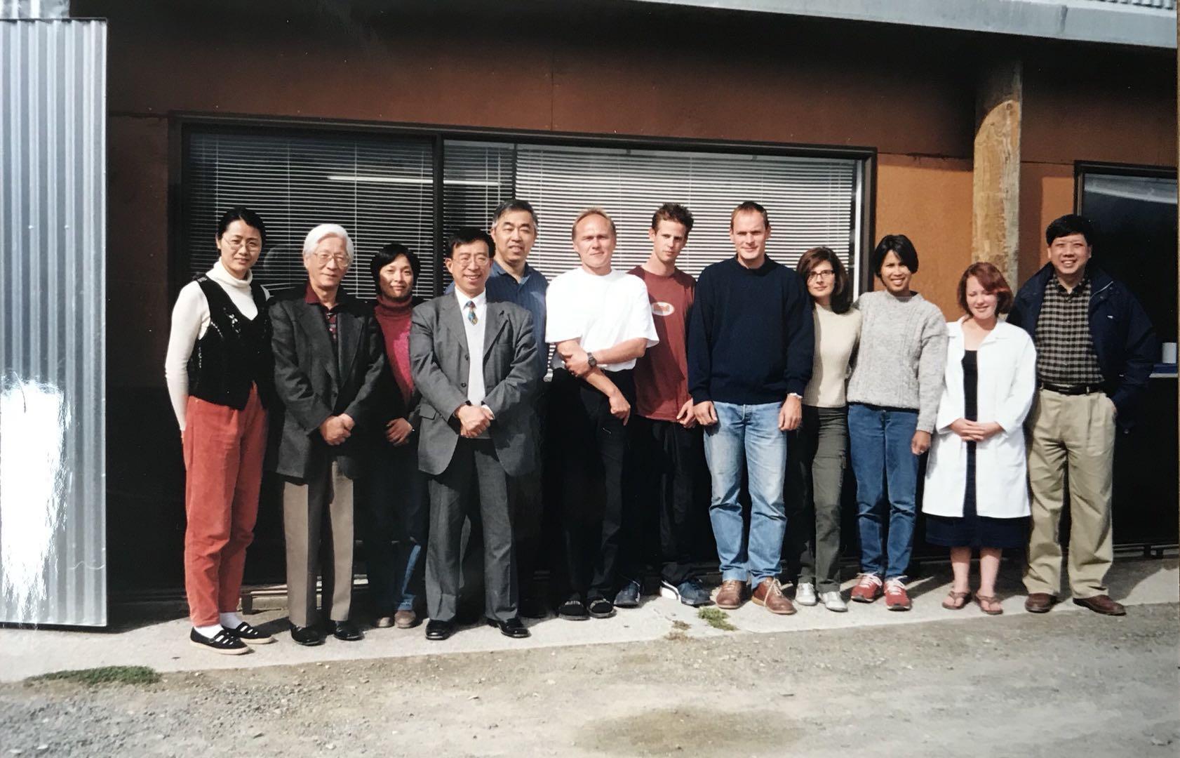 上博代表团与德国探险公司黑石号文物整理团队在一起