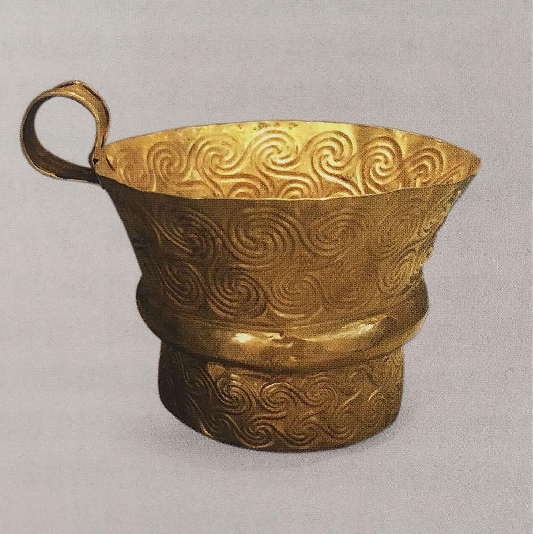 迈锡尼文明金杯 希腊伯罗奔尼撒半岛出土 希腊国家考古博物馆藏