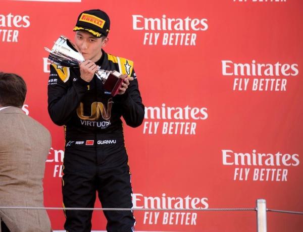 2019年5月,周冠宇成为首位登上F2领奖台的中国车手。