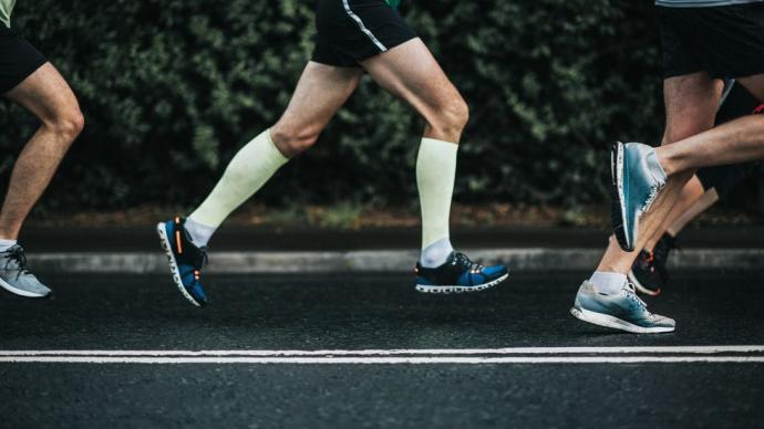 涨知识|膝盖伤痛竟是它引起的?你有注意运动步幅吗