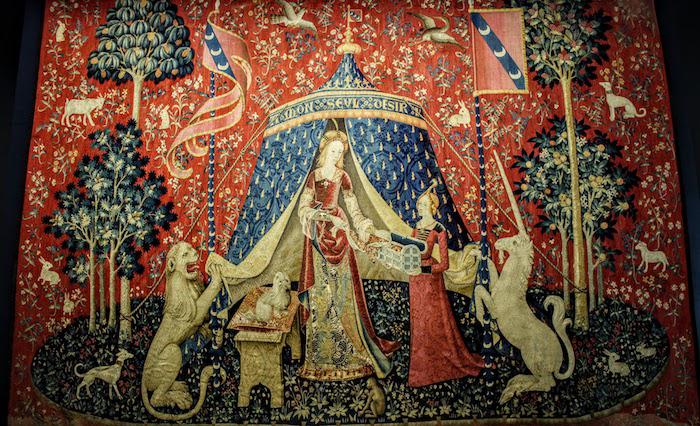 巴黎中世纪博物馆所藏中世纪挂毯上的独角兽(试比较第126页)
