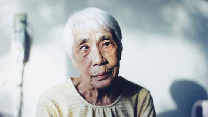 摄影师|日本新锐中井菜央:从阿兹海默症到个体存在