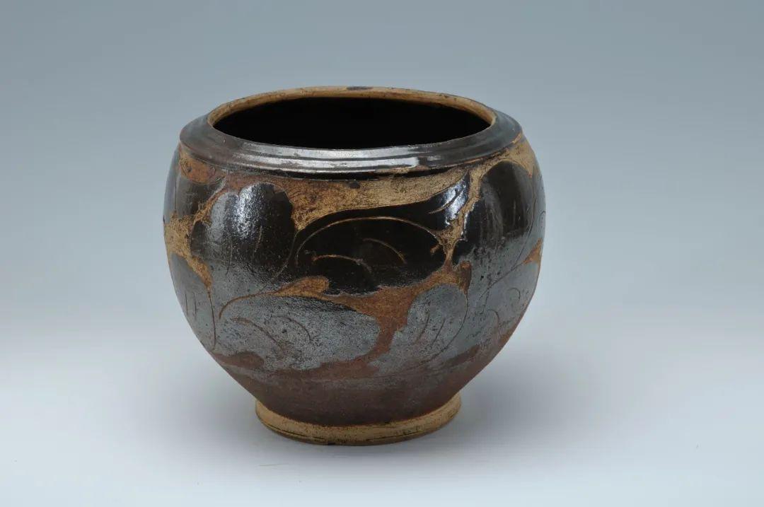 剔花叶纹褐釉瓷罐西夏青海省博物馆