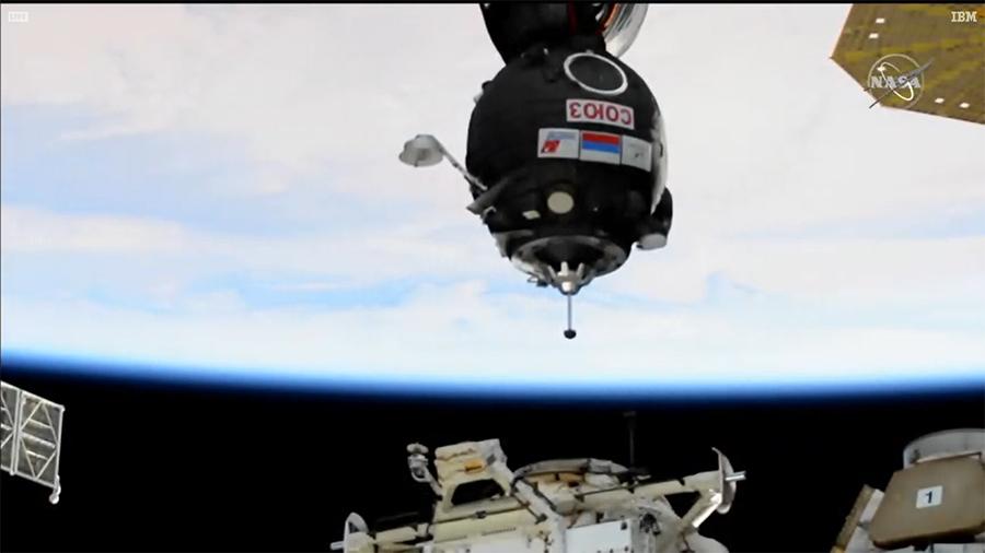 """""""联盟MS-17""""号飞船距离空间站Rassvet模块对接口只有几米远"""