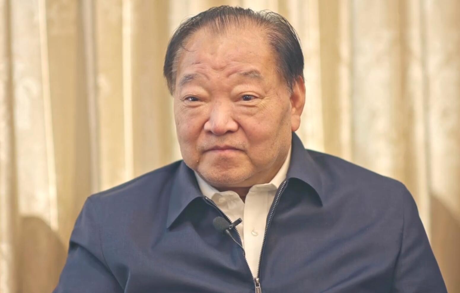 许海峰接受澎湃新闻记者专访。