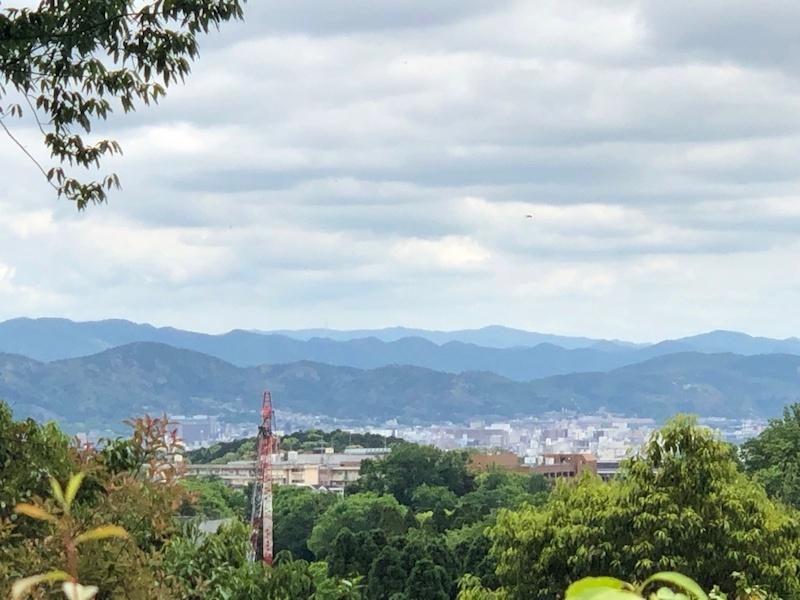 从鹰峰光悦寺远眺京都东山三十六峰