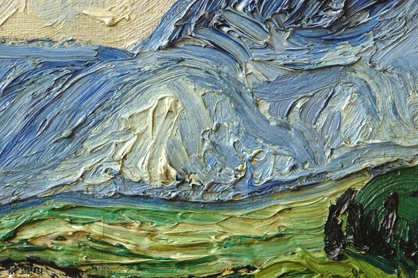 图7《麦田里的柏树》(写生版)山丘部分蓝色局部笔触