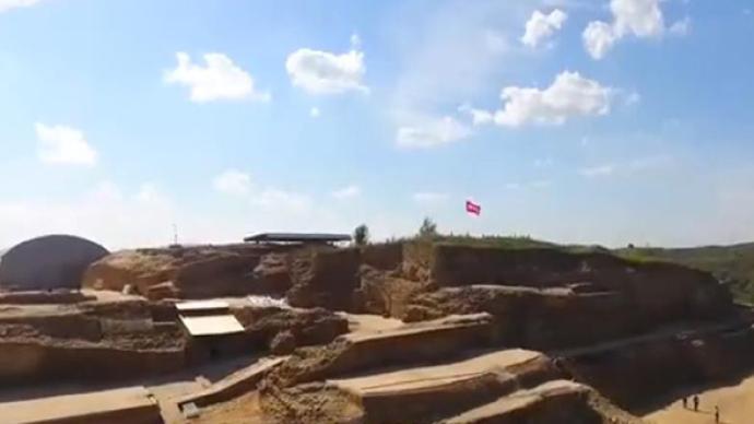 陕西寨山遗址发现多个活人殉葬墓:初判均为女性,有被砍迹象