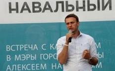 纳瓦利内参选莫斯科市长时与选民见面