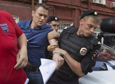 纳瓦利内多次被捕