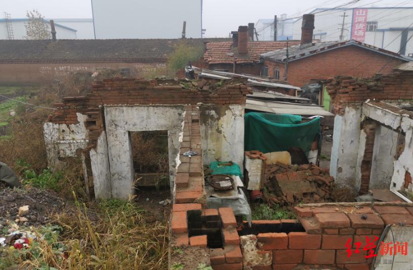 <BR/>李万才家属回忆,案发时租屋就位于这一片旧房之中