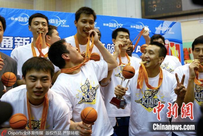 2003-2004赛季CBA联赛总决赛广东夺冠。图片来源:Osports全体育图片社