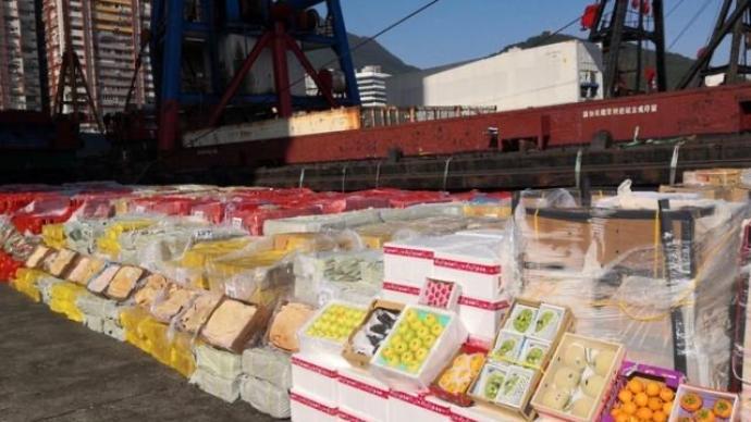 香港海关首次发现不法分子涉嫌利用趸船走私高价值水果案件