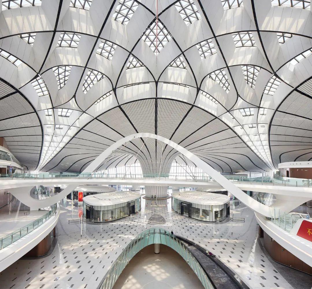 《我喜欢中国的十件事》原文配图,显示的是北京大兴国际机场。