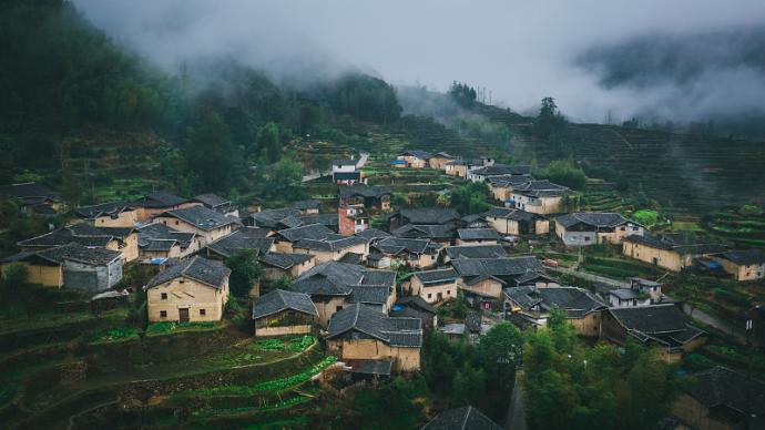 """評《上升的大地》:文學想象能否作為打開""""中國鄉土""""的方法"""