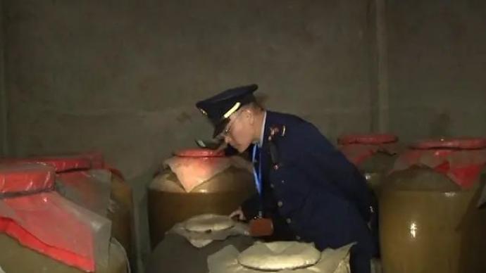 重庆一酒厂散装白酒检出甜蜜素,2200公斤白酒被扣押封存