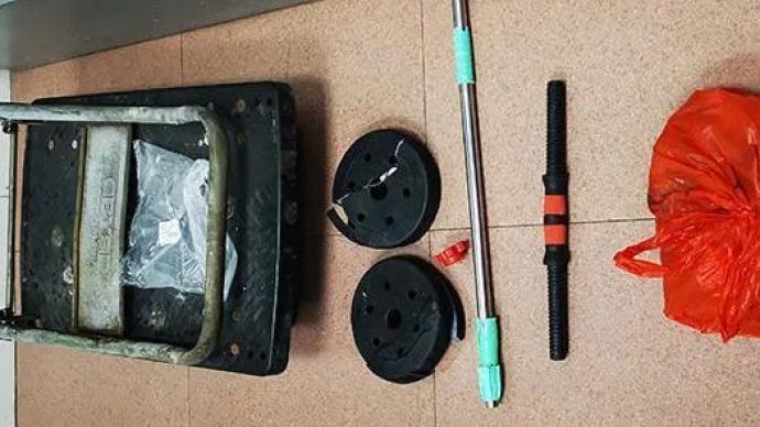深圳一男子酒后从24楼高空抛下铁饼、拖车等物,被批捕
