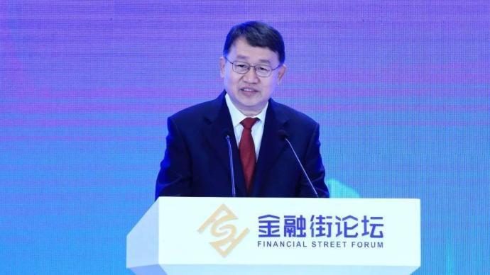 """银保监会副主席梁涛:威胁金融安全的""""灰犀牛""""得到控制"""