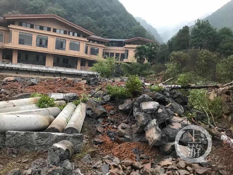 2018年11月及12月,经两次拆除后,园区700平方米的设施用房被损坏。图片来源/受访者供图