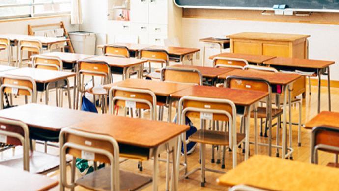 喀什:各中小学幼儿园停课至10月30日,商超正常物资充足