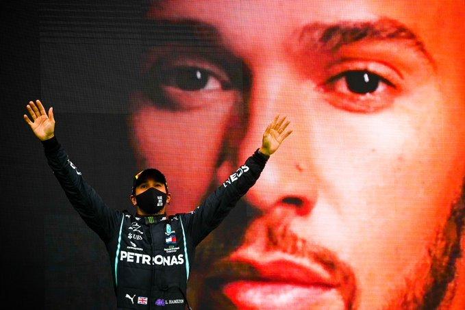 汉密尔顿毫无争议地成为了这个时代的F1第一人。