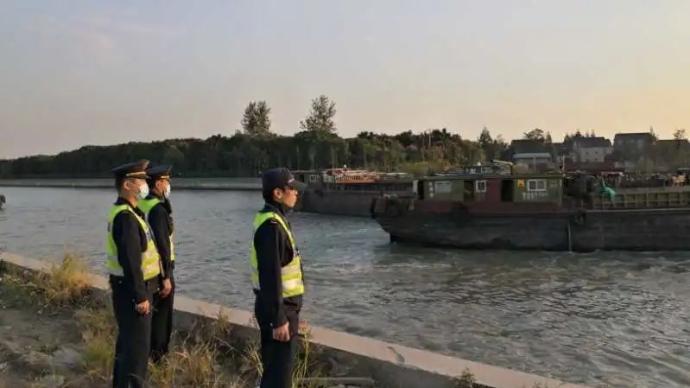 上海苏州河一码头面临停止违法经营、没收违法所得、罚款……