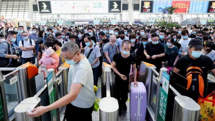 沪杭高铁开通十年,每日运行列车从50对增至148对