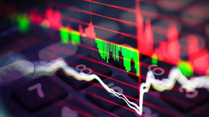 """白马股频现""""闪崩"""",资金抱团股持续下行,释放哪些信号"""
