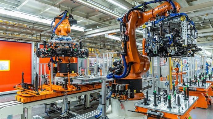 站在2300万辆的基石上,上汽大众新工厂投产掀电动化浪潮