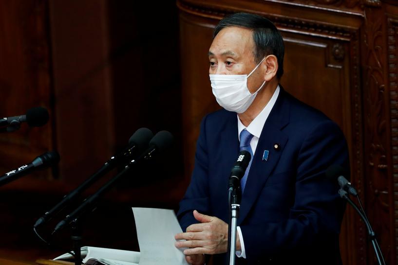 菅义伟参加就任后的首场国会答辩。