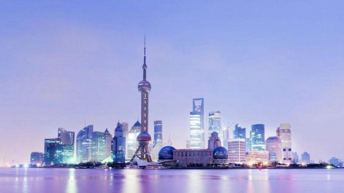 上海新闻界举行座谈会庆祝第21个中国记者节