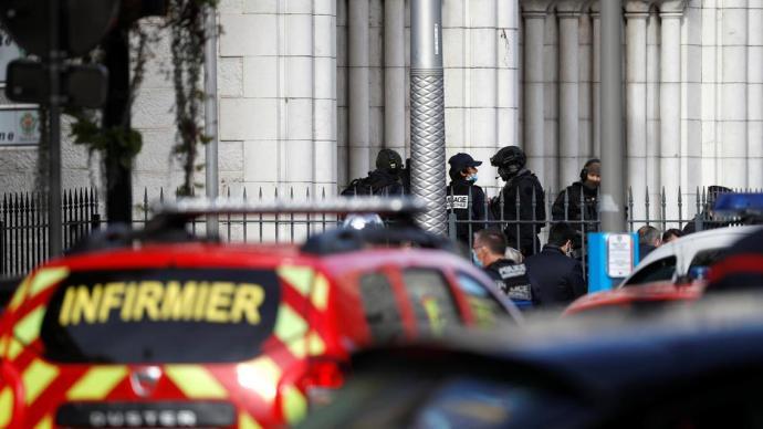 法國尼斯教堂襲擊事件親歷者:這輩子從沒跑得如此之快