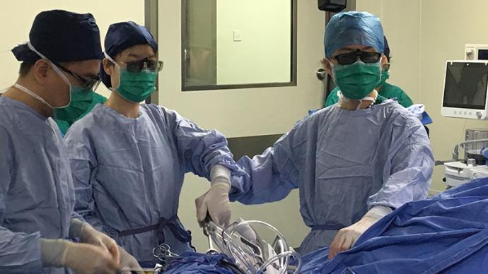 """40歲高齡產婦懷了二胎后確診宮頸癌,她如何走過""""生門""""?"""